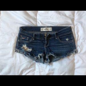 Hollister short shorts 💁🏼♀️